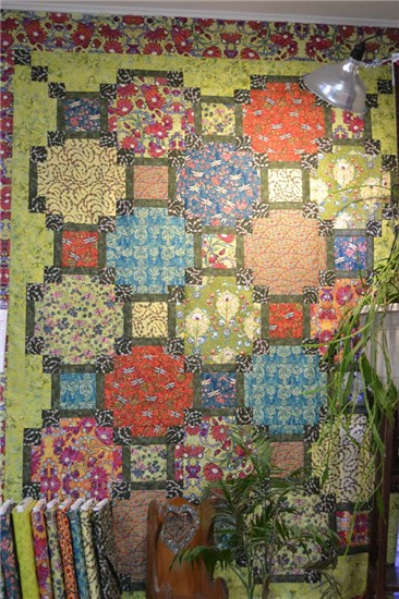 Quilt Pattern Using Focus Fabric : Picks of the Month from HeartSong Quilts keeps you updated on free patterns, quilting tips ...